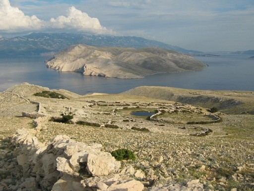 Pogled s Krka na Velebit