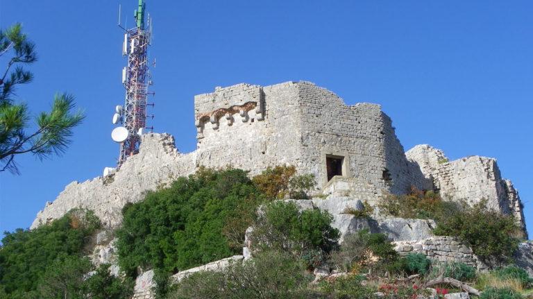 Utvrda Sveti Mihovil na Ugljanu