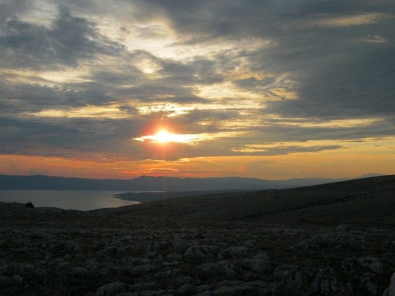 Zalazak sunca s Obzove na Krku