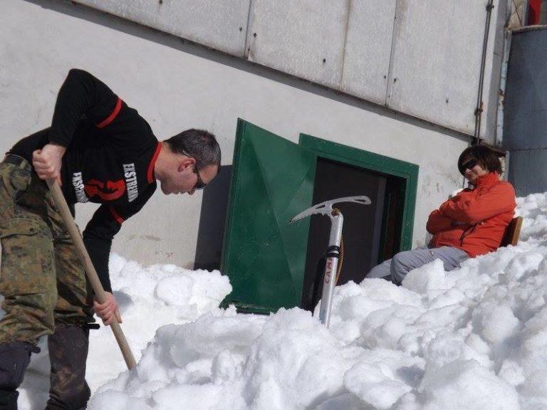 Slovenija - otkapamo ulaz u zimsku sobu