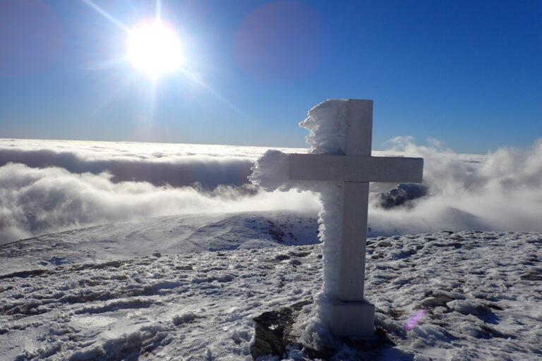 Vrh velika Duvjakuša zimi